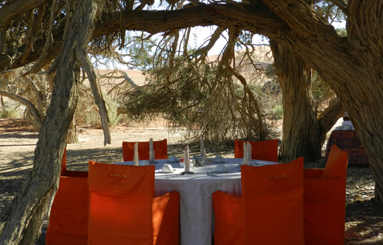 Sossusvlei Breakfast table setup